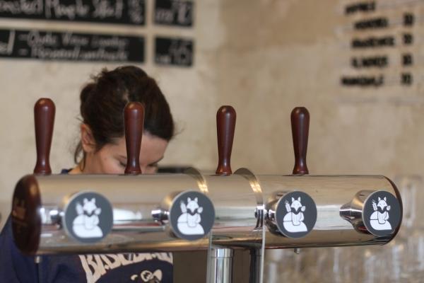 Lya Beer Café