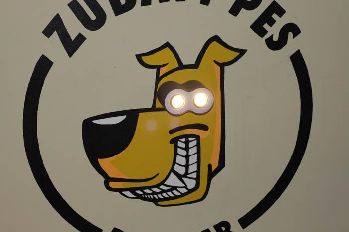 Zubaty Pes (Odd Dog)